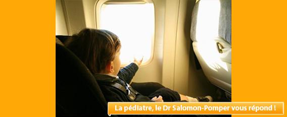 Voyager en avion avec un enfant : conseils de notre Pédiatre