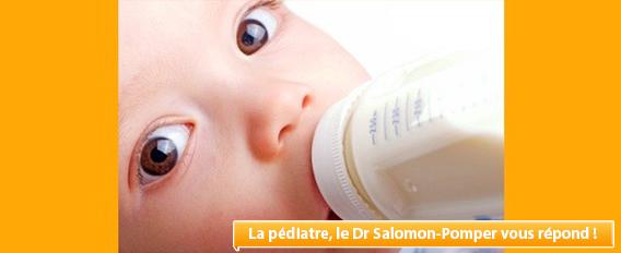 A 5 semaines, mon bébé mange peu et régurgite, que faire ?