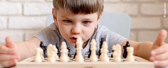 apprendre échecs enfant